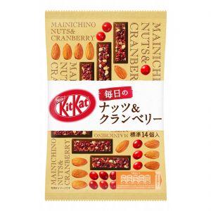 日本NESTLE雀巢 KITKAT毎日坚果蔓越莓味巧克力夹心威化饼干 87G