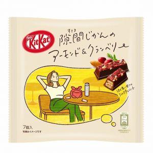 日本NESTLE雀巢 KITKAT杏仁蔓越莓味牛奶巧克力夹心威化饼干 7枚 43G